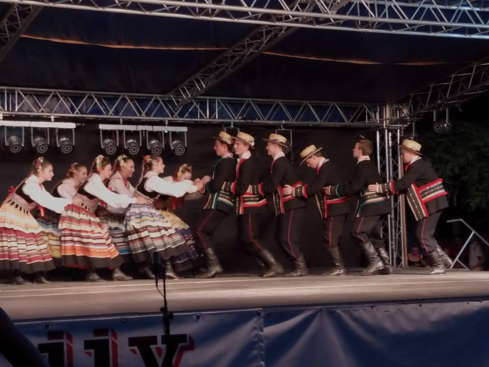 Festiwal Folkloru ˝Ezerjó˝ wTórnókszentmiklós na Węgrzech